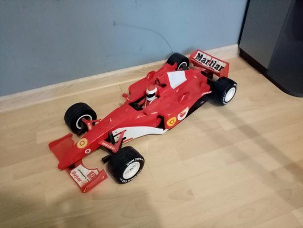 Bolid F1 na pilota
