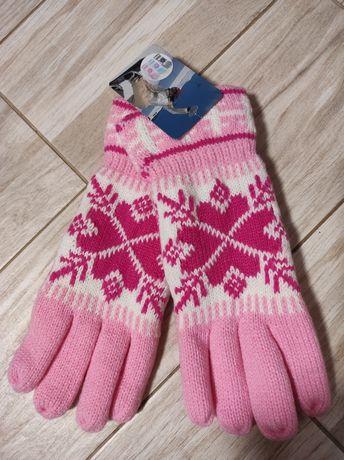 Новые перчатки теплые розового цвета