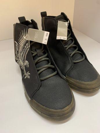 Продам ботинки фирмы Некст на мальчика