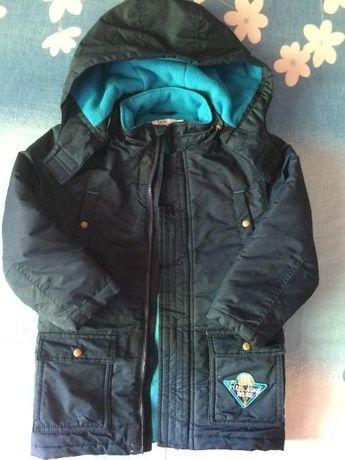 Демисезонная куртка для мальчика 4-5 лет, синяя.