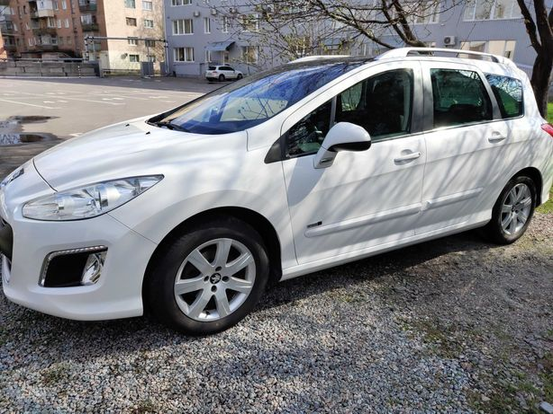Продам Peugeot 308 SW 1.6 HDi 5дв.состояние новой