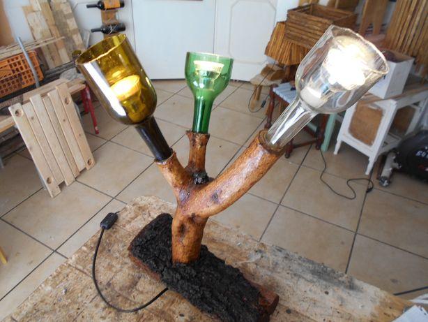 candeeiro de madeira e vidro
