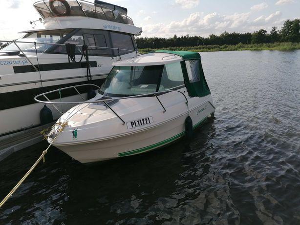 łódż motorowa kabinowa
