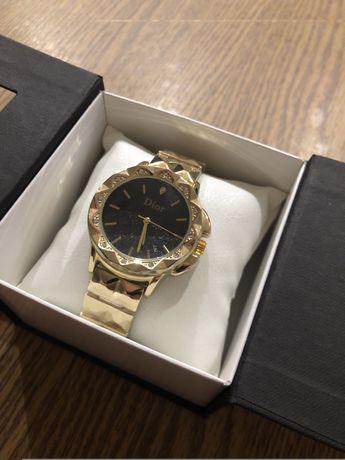 Годинник Dior