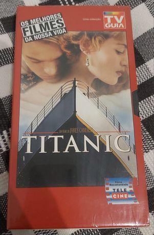 """Filme """"Titanic"""" em VHS"""