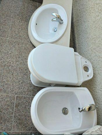 Vendo  pecas de casa de banho