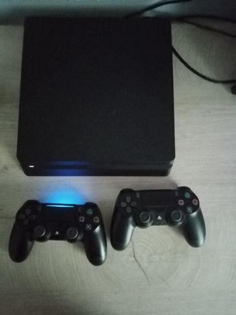 Sprzedam konsolę Playstation 4, 1 TB, wraz z nowymi 2 padami, 17 gier