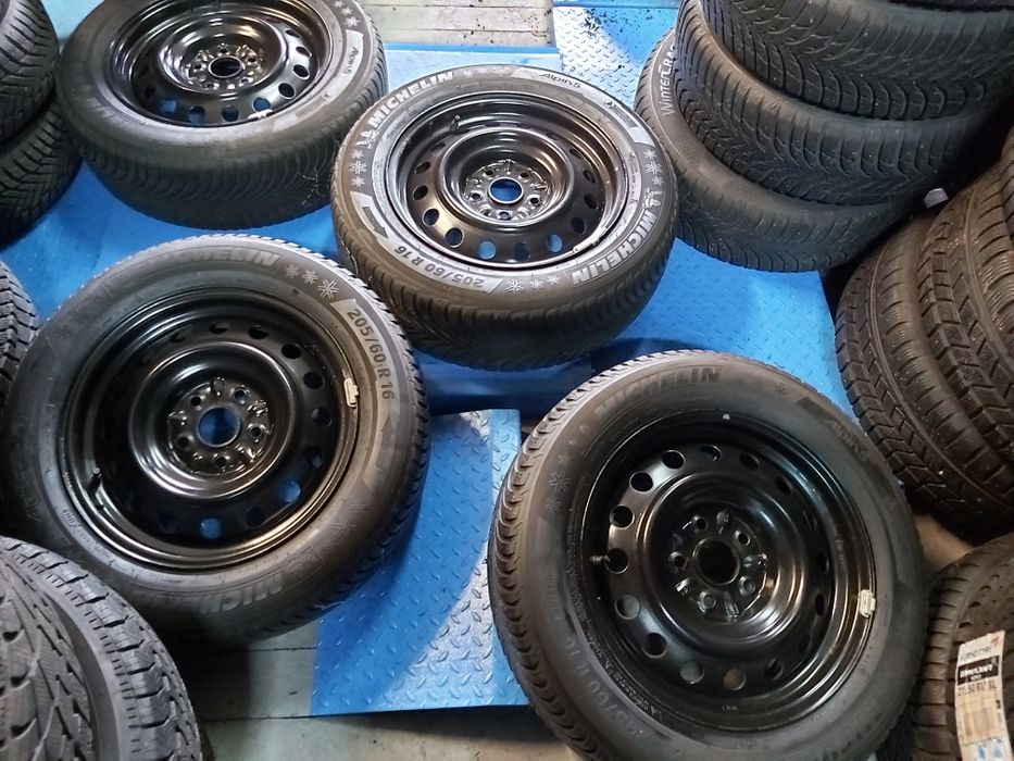 Felgi stalowe Toyota 16 5x114,3 Z CZUJNIKAMI ciśnienia Góra - image 1