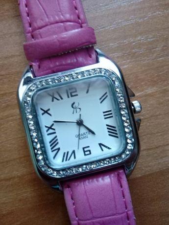 Zegarek na rękę bez paska