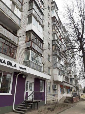 Здам 1 кімнату в 3х кімнатній квартирі без хозяйки.вул Шевченко,центр.