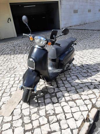 Scooter Daelim Besbi SA5 125cc