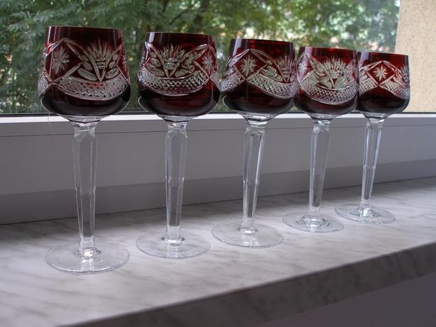 Zestaw graweorwanych kieliszkow krysztalowych wysokich