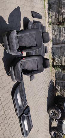 Komplet foteli i boczków Passat B5 FL Sedan