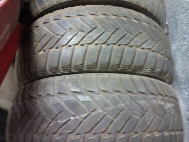 Автошины 205/55/16 Dunlop с остатком 5 -6 мм 4 штуки- комплектом