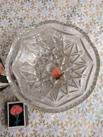 Кришталева салаттиця