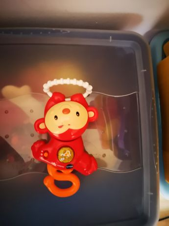 Małpie figle bawi uczy