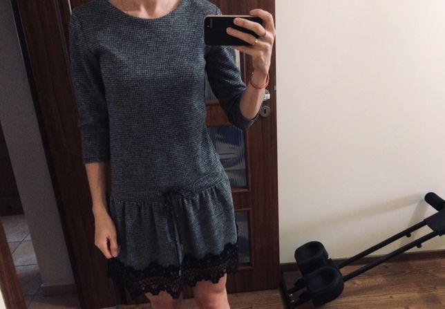 Sukienka w rozmiarze S