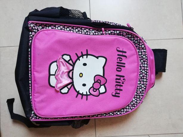 Plecak szkolny trzykomorowy