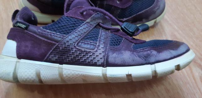 Продам кроссовки GORE-TEX    Ecco  размер 31