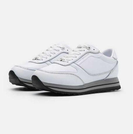 Tommy Hilfiger buty sneakersy damskie model Glitter Runner rozmiar 39