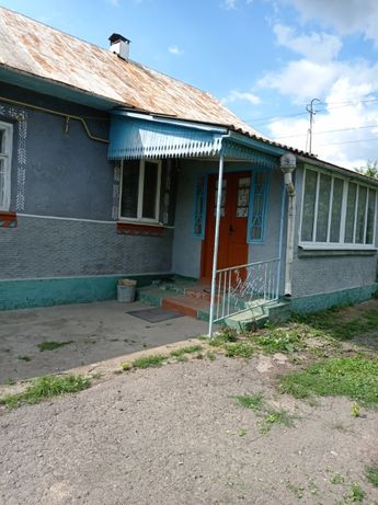 продам будинок в селі Гвардійське , літня кухня , гараж ,криниця.