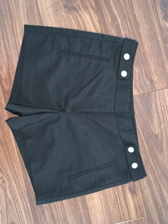 Krótkie spodenki spodnie ZARA czarne eleganckie XS 34