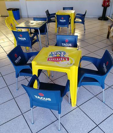 2 Mesas e 8 cadeiras esplanada