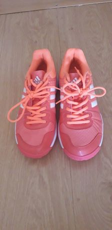 Sapatos tenis Adidas