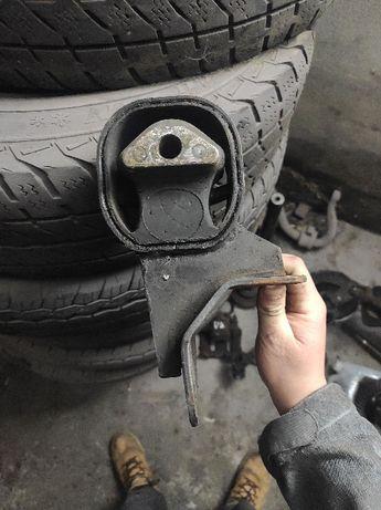 Poduszka silnika jeep zj 2.5 td vm