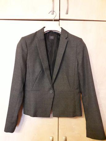 Пиджак размер S в отличном состоянии