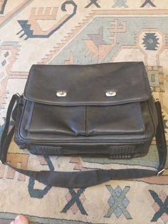 Сумка портфель для ноутбука и принадлежностей.