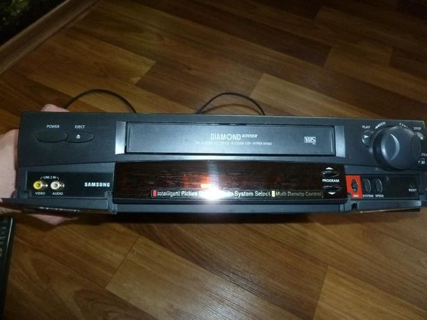 видео магнитофон Samsung