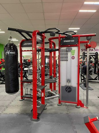Konstrukcja brama Life Fitness SYNRGY360