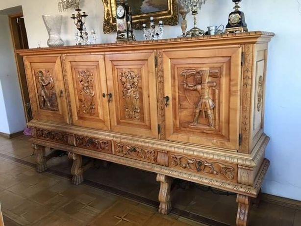 Meble rzeźbione w stylu renesansowym