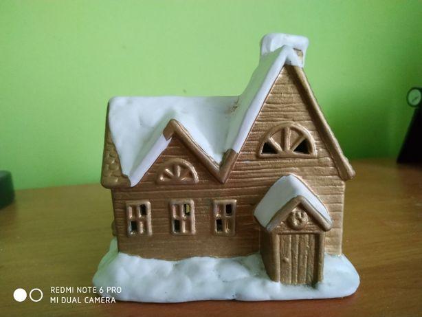 Domeczek Świąteczny w środku ze świecom wymienna Polecam