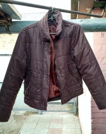 Отличная стильная весенняя-осенняя женская куртка. Размер 44-46.