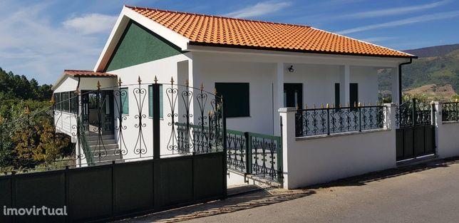 Quinta C/Moradia e Olival (Régua)