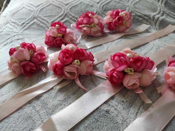 Butonierki kwiatowe z perłami