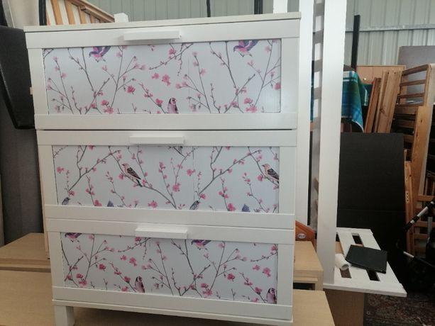 Biała Komoda IKEA z szufladami