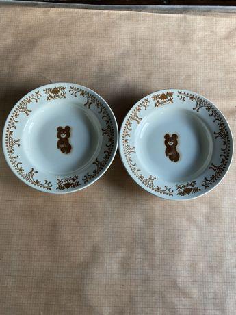 тарелка с олимпийским мишкой буды