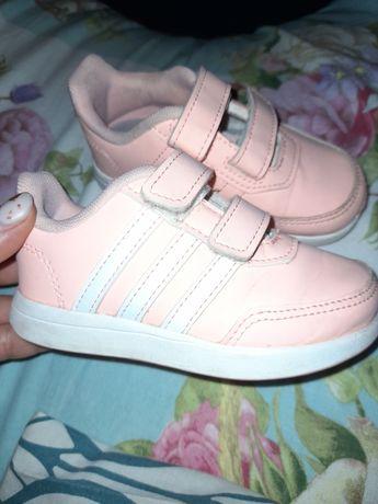 Кросівки adidas 23 р