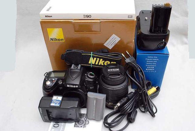 Nikon D90+ AF-S Nikkor 18-55mm 1:3,5 - 5,6  DX VR + Battery Pack -Grip
