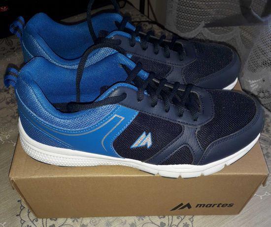 Nowe Buty sportowe Martens chłopięce r.38