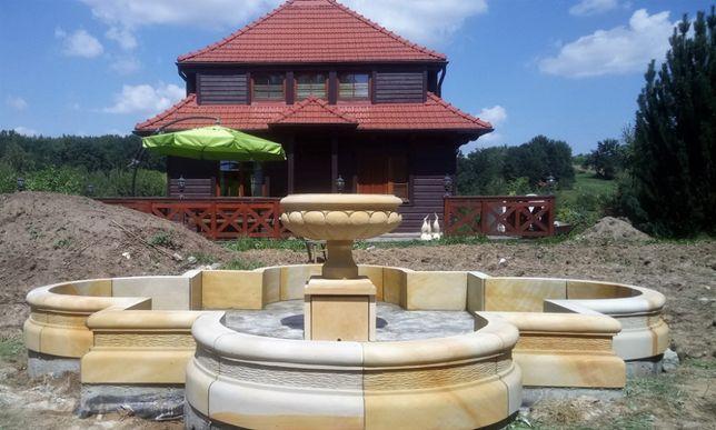 Duża i piękna fontanna z kamienia natutalnego - piaskowiec