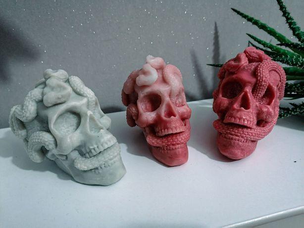 Świeczki czaszki węże świece