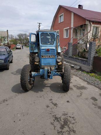 Продам Т-40АМ трактор на ходу все працює.