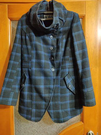 Женское пальто. Осеннее женское пальто размер М