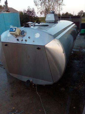 Zbiornik, schładzalnik do mleka 3000 l Alfa Laval compakt