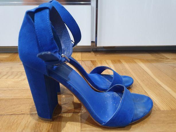 Sandały sandałki niebieskie chabrowe zamszowe stabilny obcas zamsz 40