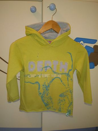 Bluzka r.122 bluza dla chłopca z kapturem. Firmy Hot Oil